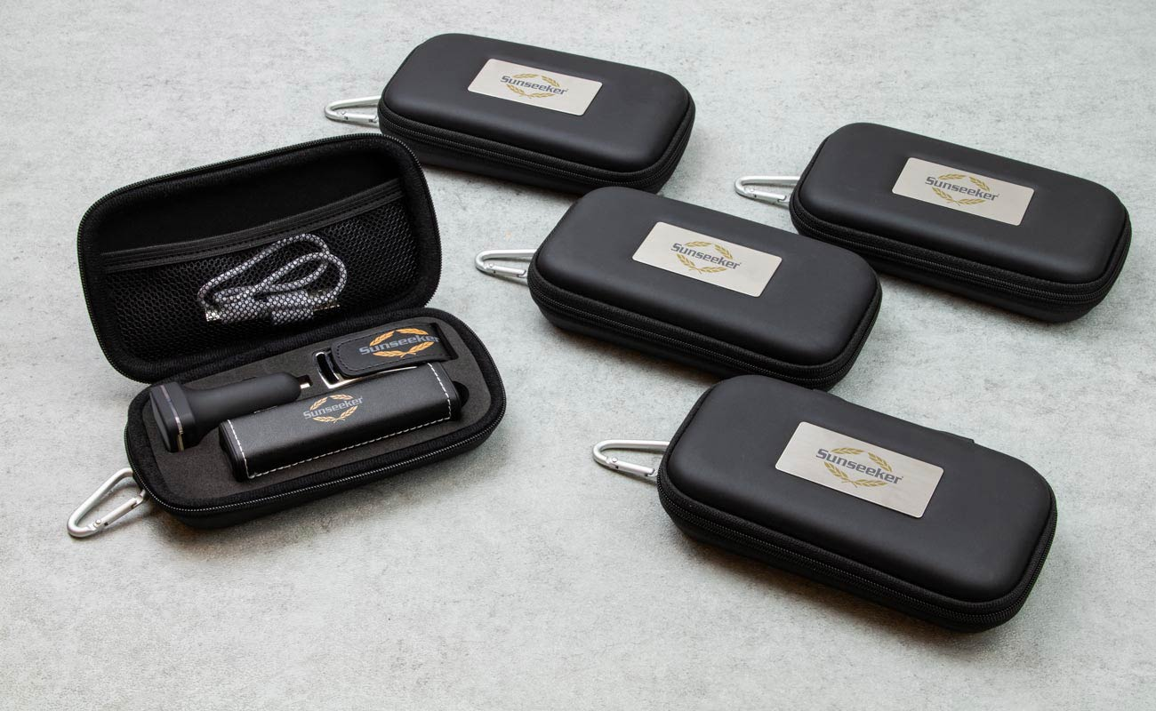 Leather M - Clé USB Personnalisée, Lot Power Bank et Custom Car Charger