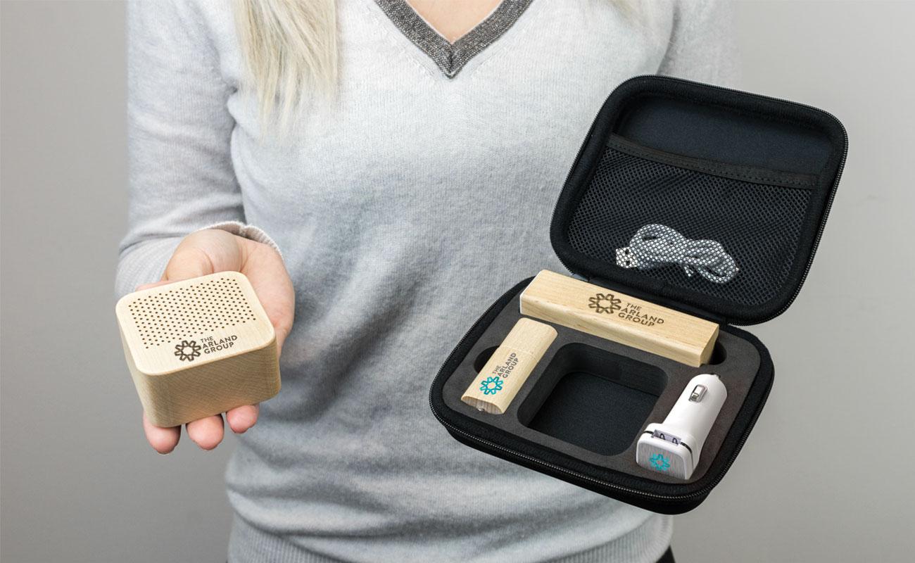 Maple L - Clé USB Personnalisée, Lot Power Bank, Custom Car Charger et Enceinte Professionnel