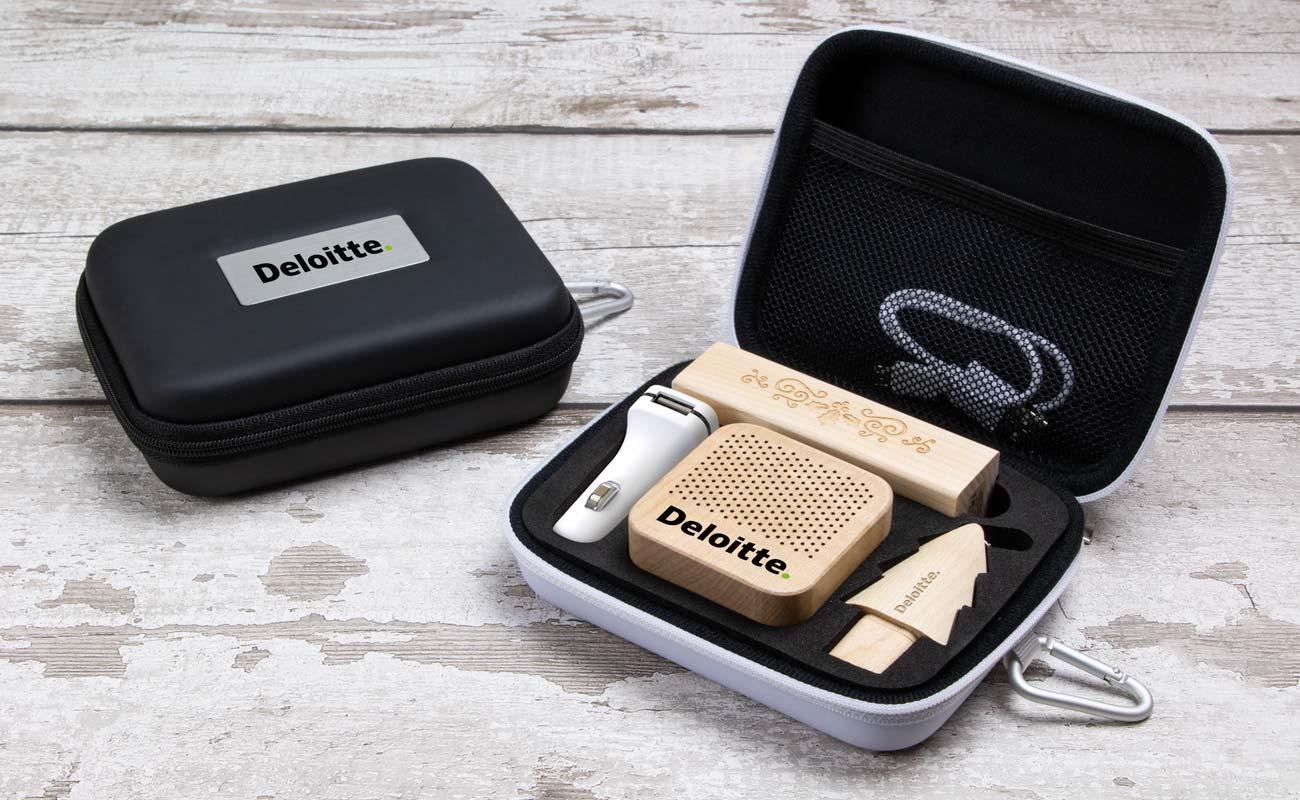 Noel L - Clé USB Personnalisée, Lot Power Bank, Custom Car Charger et Enceinte Professionnel