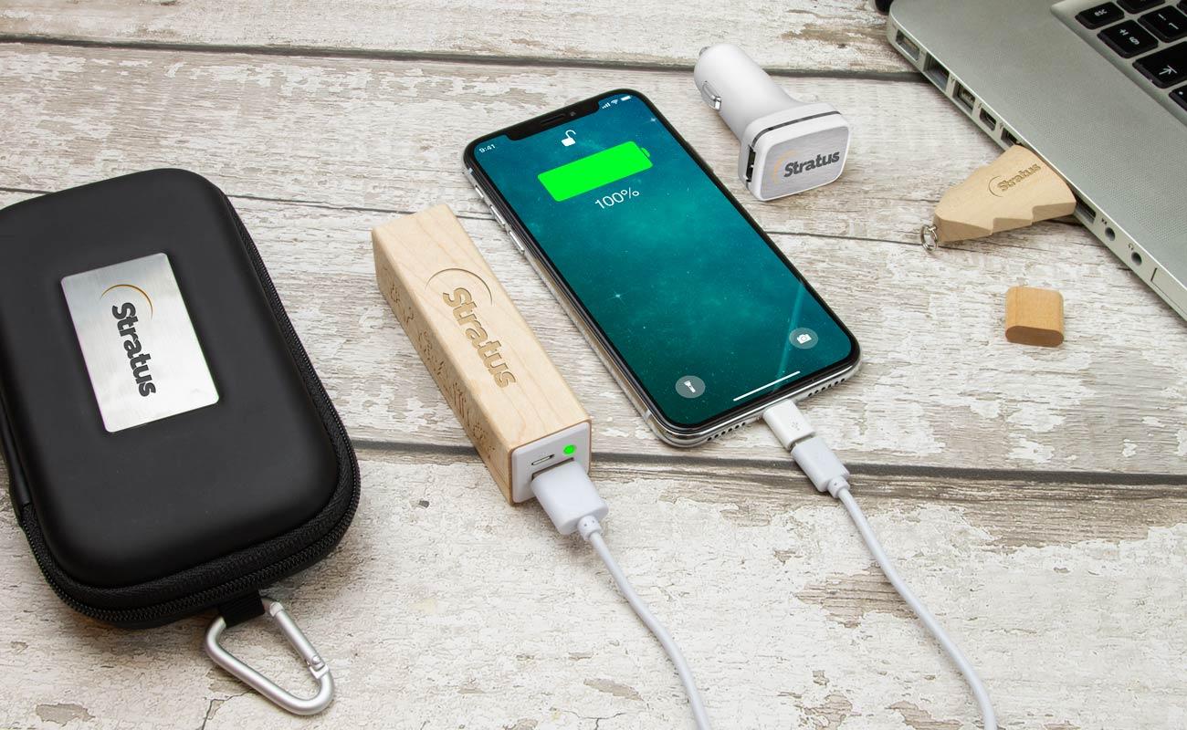 Noel M - Clé USB Personnalisée, Lot Power Bank et Custom Car Charger